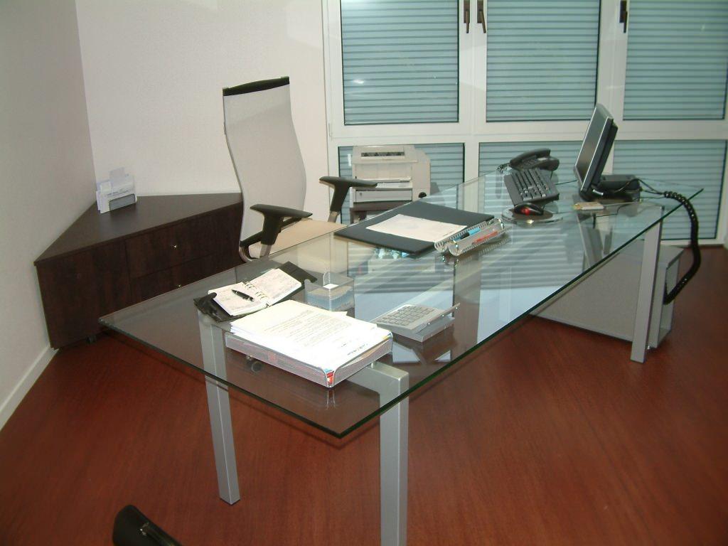 Mobilier sur mesure lynium metz for Meuble bureau verre